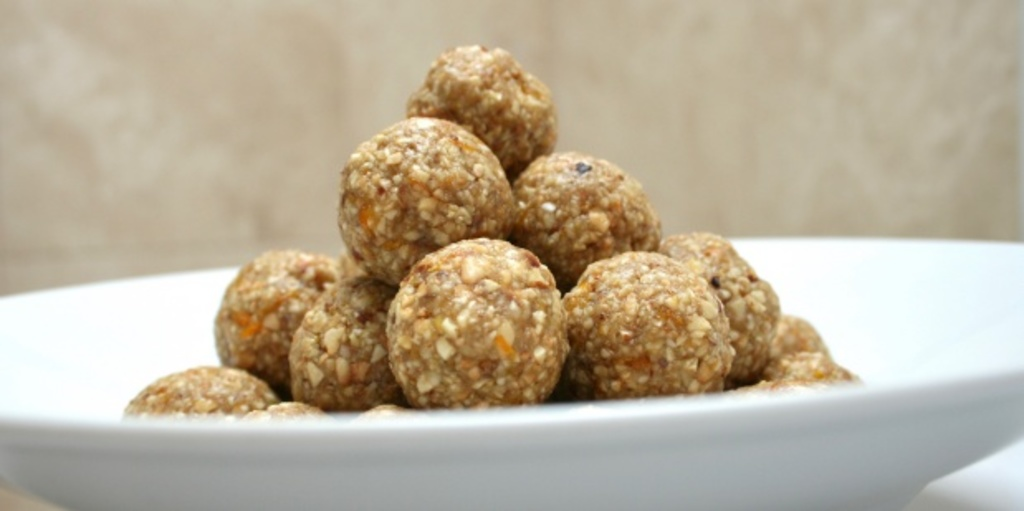 Snack size nut balls that make the perfect party food