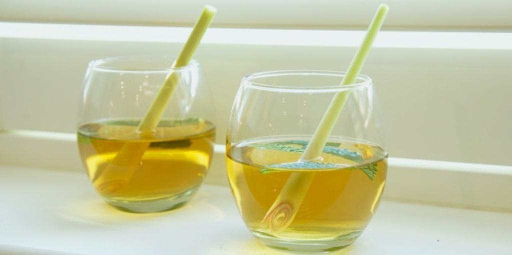 Mint and lemongrass tea