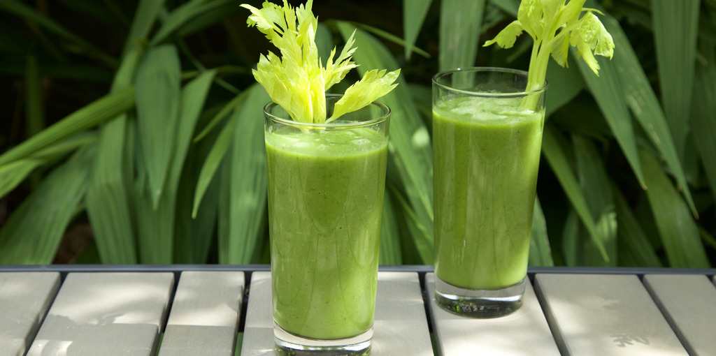 Nutritious dairy free green smoothie - thumbnail version