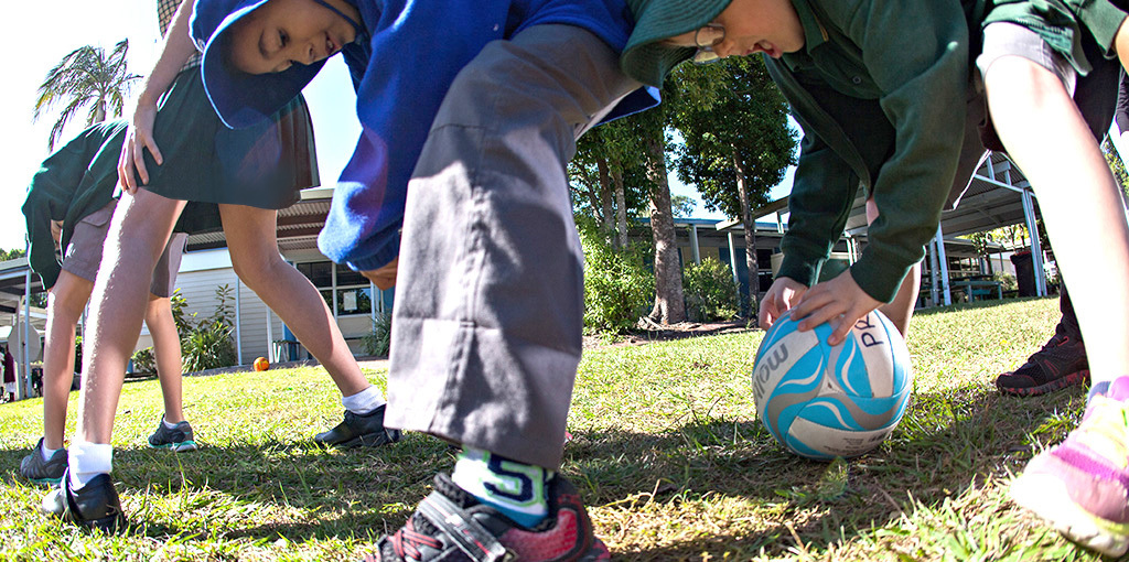 Ball games for kids: co-operative learning or a not-so-healthy competitive race?