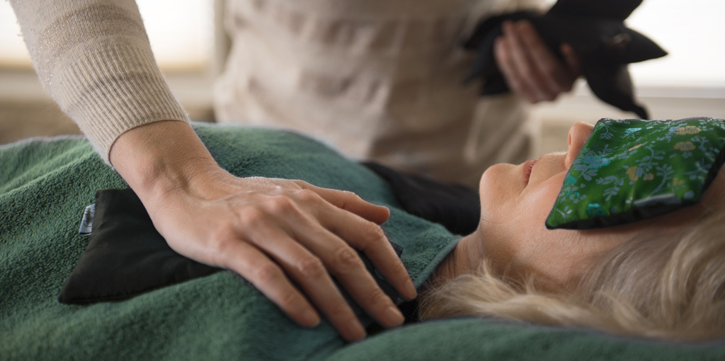 An article explaining Sacred Esoteric Healing as a form of energy healing.